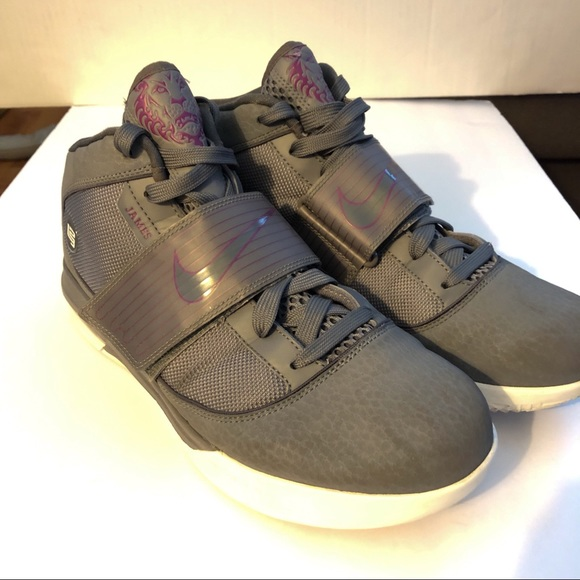 info for 2a112 666fc Nike Zoom Soldier 4 Gray